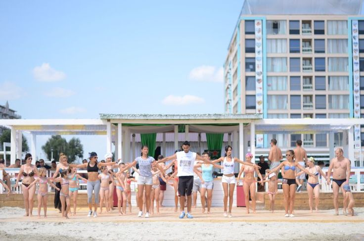 Morning exercise, fitness, beach, sun, fun, stay fit, stay healthy - Phoenicia Holiday Resort, North Mamaia, Constanta, Romania