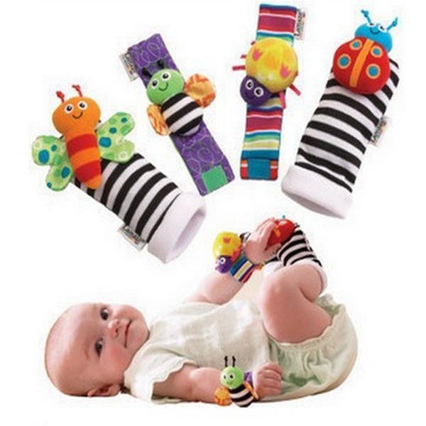 Vvcare BC-KF001 4pcs bebé animal precioso niños infantiles sonajeros buscadores guante juguetes calcetines pie de mano conjunto