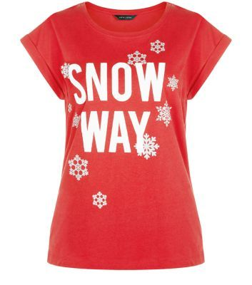 "Bring the slogan tee trend into your festive wardrobe - this 'Snow Way' printed number is great paired with a leather look skirt and block heel ankle boots.- 'Snow Way' printed front- Rounded neckline- Rolled sleeves- Casual fit- Soft cotton fabric- Model is 5'8""/176cm and wears UK 10/EU 38/US 6"