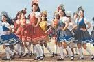 O Pastoril é um auto Natalino com raízes dos dramas litúrgicos representados inicialmente nas Igrejas Portuguesas.  Atualmente, o Pastoril é o mais conhecido e difundido folguedo popular do estado de Alagoas. É uma fragmentação do Presépio, sem os textos declamados e sem os diálogos. É constituído apenas por jornadas soltas, canções e danças religiosas ou profanas, de épocas e estilos variados. As pastorinhas formam dois cordões: o encarnado, liderado pela mestra, e o azul, pela…