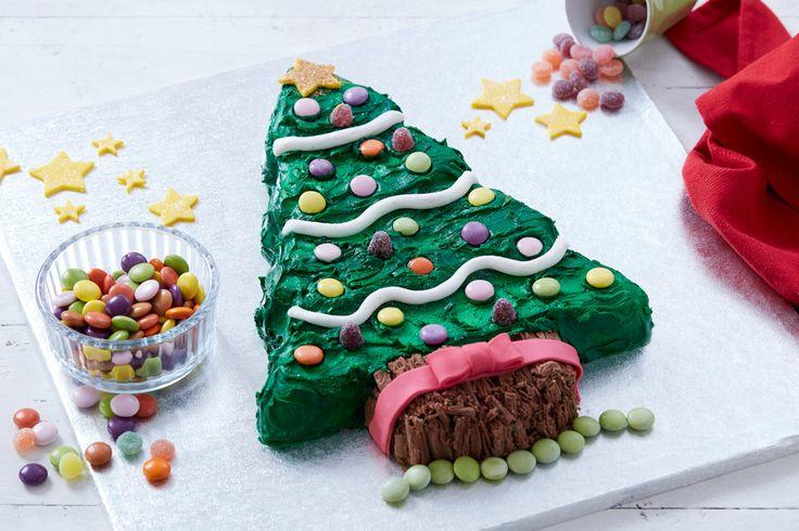 How to Make a Christmas Tree Cake #christmas #tree #cake #baking #easy #beginner #kids