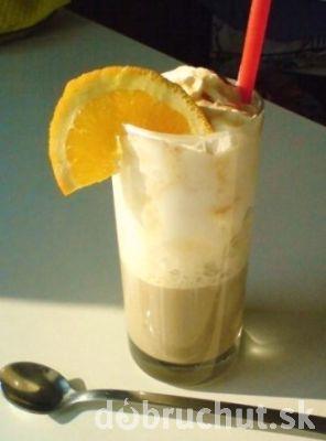 Ľadová káva s pomarančom