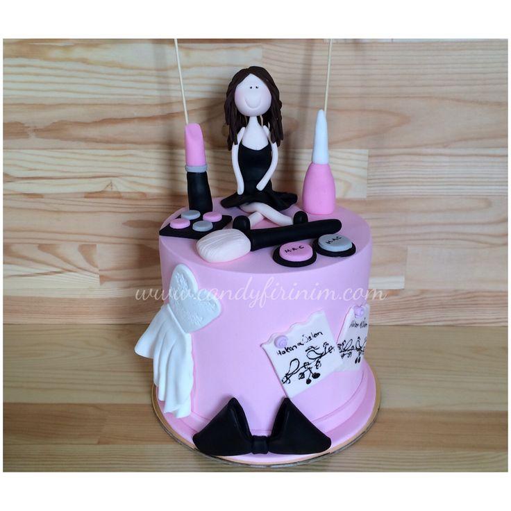 Bachelorette cake   #bachelorettecake #butikpasta #sekerhamuru #bekarligaveda #makyajtemalipasta #candyfirinim #sugarart