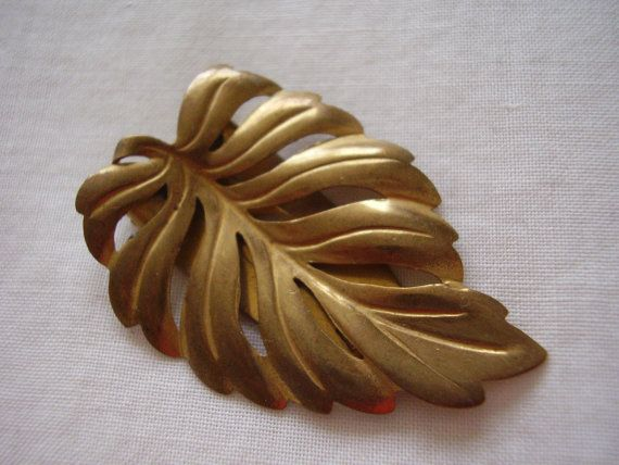 Dress Clip Art Deco Curved Pierced Leaf Brass by Vintage0Sparklers