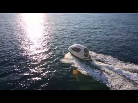 The Jet Capsule is a 7 Meters (23Ft) boat with a maximum width of 3.50 Meters (13Ft). Due to this proportions Jet Capsule it's more spacious than any other seven meters boat