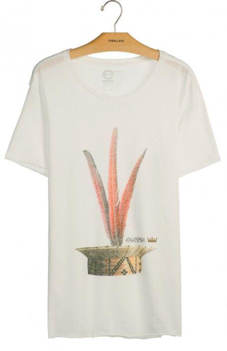 T-shirt PET cocar Ashaninka by @osklen na @embau_brazilianwear_store disponível na loja online !