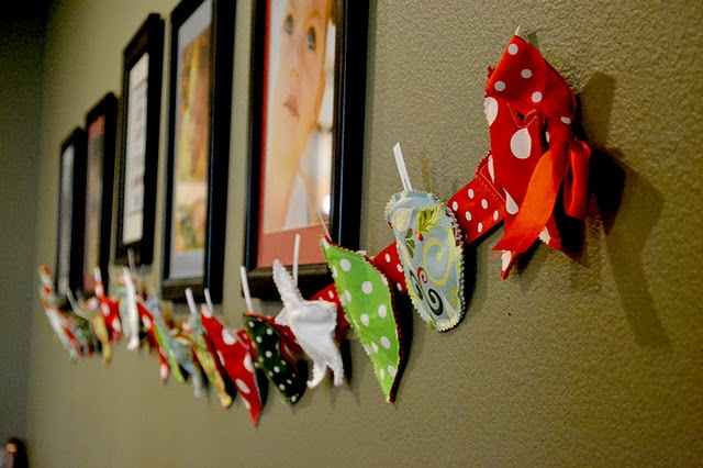 Garland of Giving - A daily service advent calendar!: Paper Garlands, Christmas Countdown, Advent Countdown, For Kids, Advent Activitiesidea, Service Idea, Cute Idea, Advent Calendar, Activities Idea
