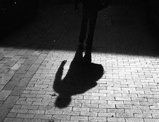 Constantinos Nakkas *: O χρυσαφί νάνος υπό το φως της αυγής*