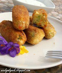Krokiety ziemniaczane z brokułem i kurczakiem - Kulinaria pyszności,ziemniaki,przystawka,brokuł,marchewka,krokiety,warzywa,obiad - kobieceinspiracje.pl