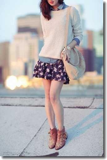 ミニ丈の花柄スカートにデニムのシャツをちょっとみせ♪ 大学生スタイル ファッションのコーデまとめ♡