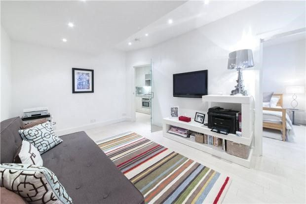 Reception room basement flat London SW1 #cutlerandbond #basementflat #gardenflat #londonproperty