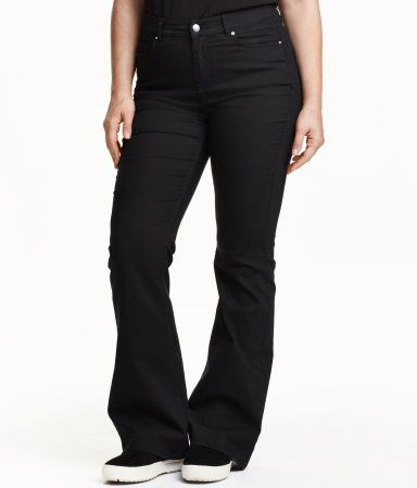 Black. 5-pocket jeans in stretch twill with a regular waist and flared legs.