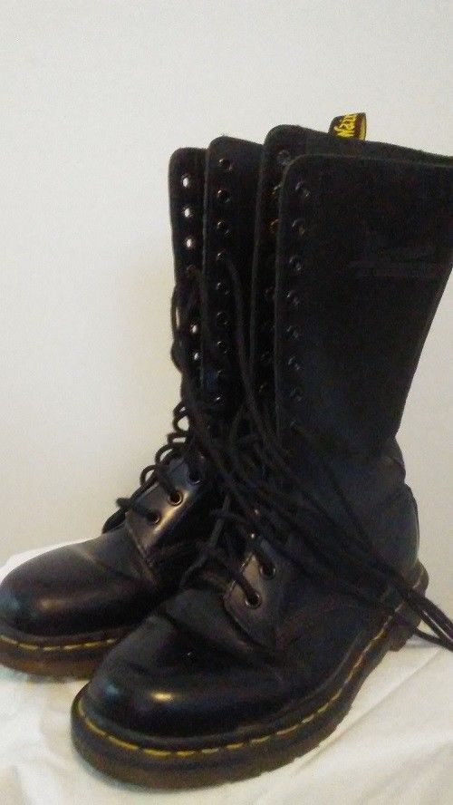 968d39f6d2de Doc Martens Combat Boots Black Womens Size 8 Army Shoes Eyelet High Calf  Leather  DocMartens