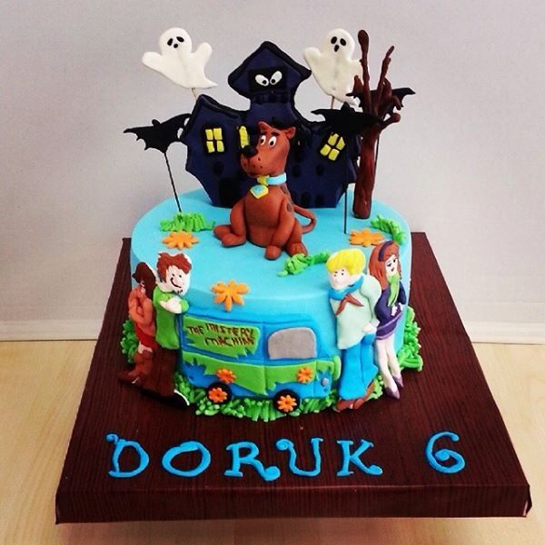 91 best scooby doo cake images on pinterest scooby doo for Scooby doo cake template