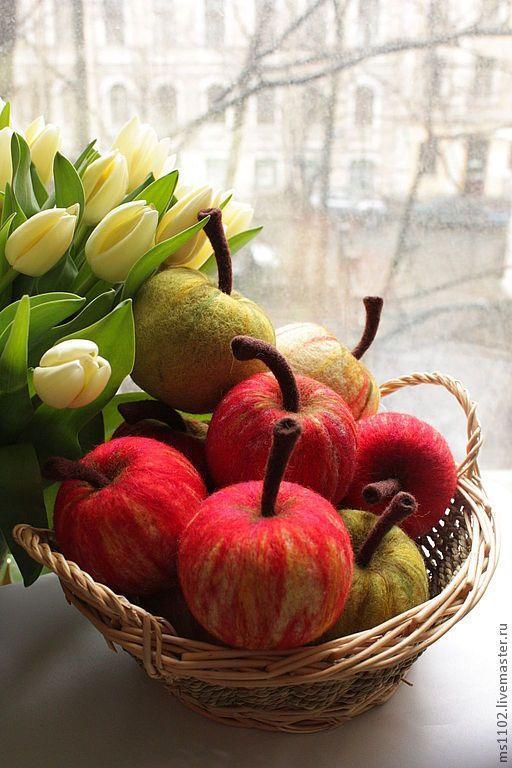 Купить или заказать ФРУКТЫ.ОВОЩИ в интернет-магазине на Ярмарке Мастеров. Копии фруктов выполнены в технике сухого валяния.Фрукты и овощи прекрасно украсят ваш интерьер на кухне,даче.Копии фруктов и овощей хороший помощник в развивающих играх для детей.Клубника,морковка -500 руб.,слива-400руб.,груша,яблоко,персик-550руб.,тыква-600руб,репа- 700 руб.