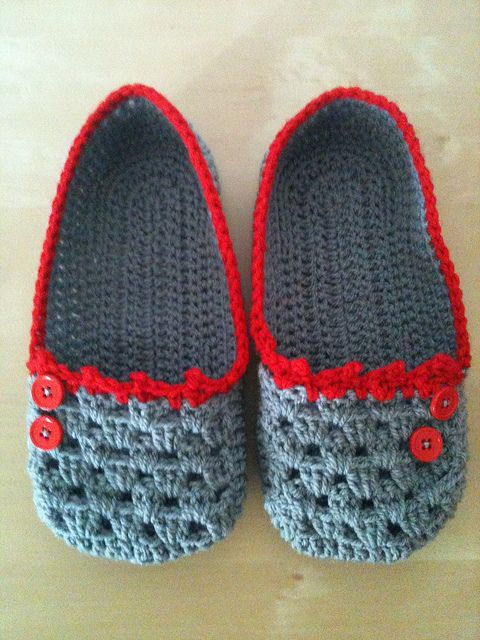 :) adorable crochet slippers!!! free pattern: http://www.sugarncream.com/pattern.php?PID=4547=21191