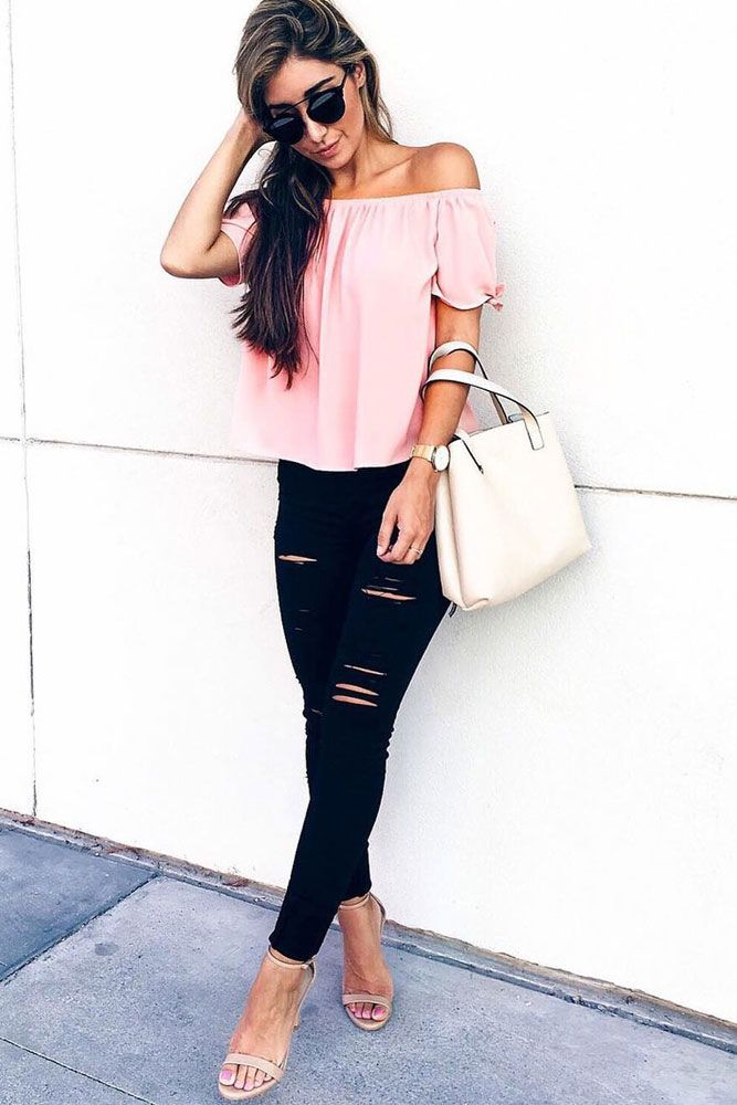 Ripped jeans for women are in vogue once again. Click to see our ideas and go rock those holes, shreds, and scrapes!