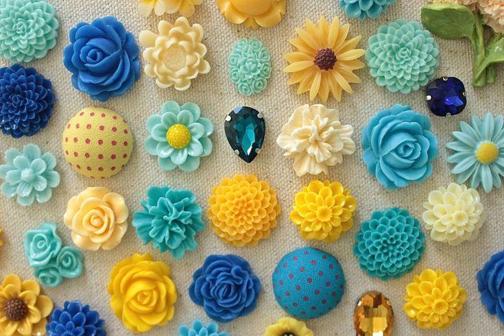 Blue and Yellow Push Pin Set, Unique Thumbtacks, Modern Tacks, Wedding Board Pushpins, Trendy Office Supply, Resin Flower Tack, Burlap Board by fluteofthehour on Etsy