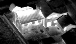 Aerial thermography to seek cannabis large plantation  hidden in houses.  Thermographie aérienne d'une plantation de cannabis cachée dans une maison