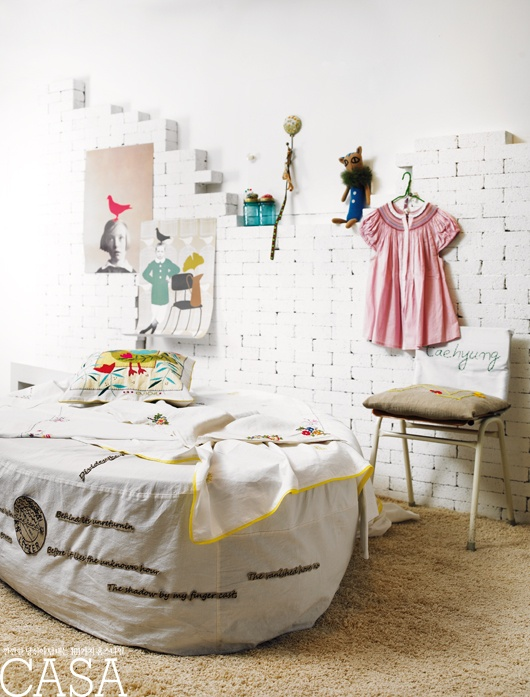 pink dress white brick kids room - Brick Kids Room Decor
