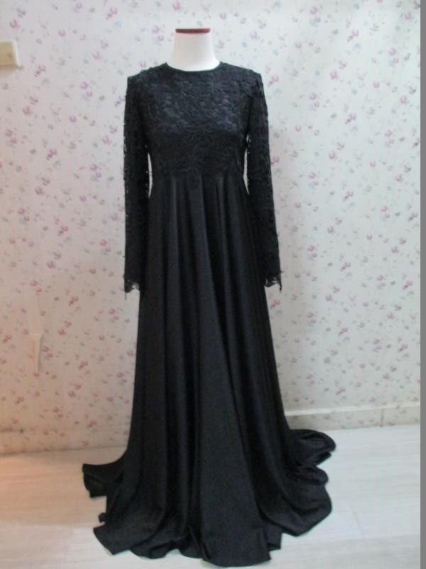 Koleksi terbaru dari Aira wedding hijab. Informasi lengkap hubungi kami di +6281221114451 by whatsapp atau line ke Airaweddinghijab. Terima kasih.
