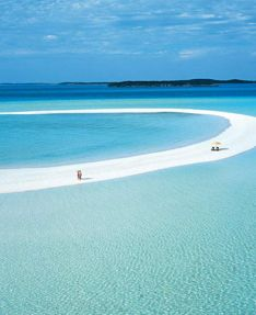 You may choose to do nothing but curl up in a hammock with your favorite book, or gaze at the sea. But, if you are an adventure seeker, there are endless things to do on Musha Cay and the Islands of Copperfield Bay, many of them centering on water sports: snorkeling, windsurfing, paddle boarding, skimming the translucent waters in sailboats, runabouts or wave runners, island touring, waterskiing, and fishing (both deep-sea, bone and flats fishing).