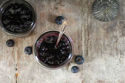 Marmellata di mirtilli, spezie e Pinot Nero