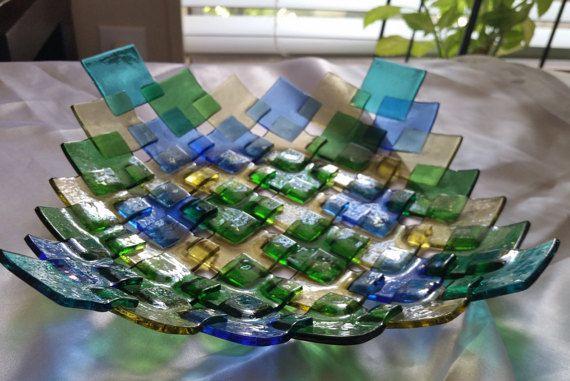 Ciotola di vetro fuso colorato a mano incredibile di GalaxyOfGlass