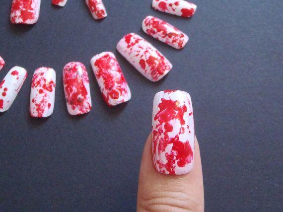 halloween unghie finte sangue splatter nail art horror matrimonio gotico squadrate bianco rosso schizzi sangue vampiro lasoffittadiste