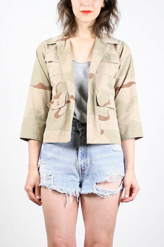 Vintage 90s Camo Shirt Camo Jacket Tan Sand Brown Army Green Camouflage Jacket Camouflage Shirt Grunge Shirt Grunge Jacket XS Extra Small by ShopTwitchVintage #vintage #etsy #90s #1990s #camo #camouflage #jacket #shirt #army