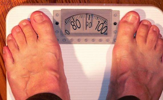 Obézní muži by měli zbystřit. Hrozí jim intimní problémy