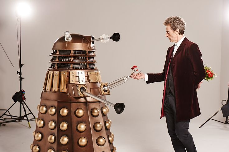 "randomthunk: "" Behind the scenes on the Doctor Who Magazine 500 cover shoot with Peter Capaldi [x] """