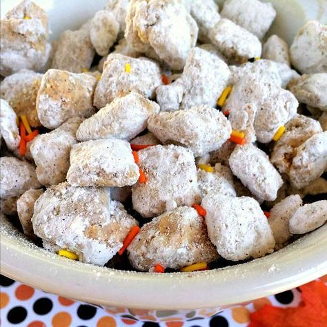 Blog post at Growing Up Gabel : Mix it up this fall with this pumpkin flavored Chex puppy chow recipe! Five simple ingredients plus about 15 minutes are all you need to w[..]