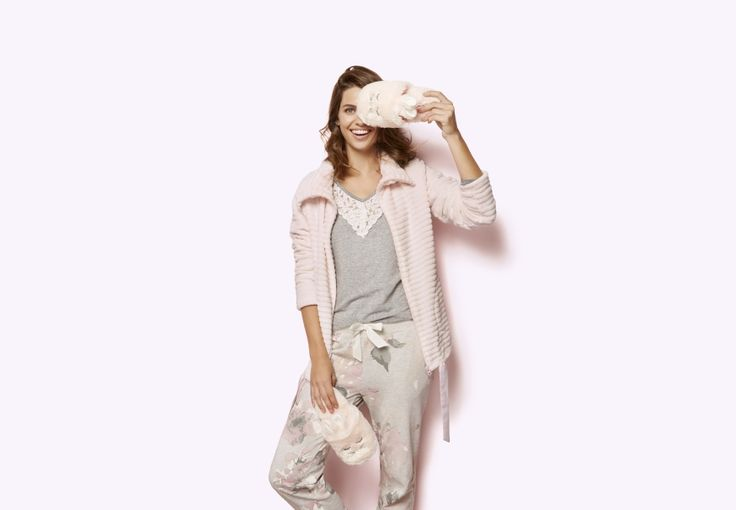 Our online range has real choice, from sexy nightwear sets slips and babydolls to warm cosy pyjamas or maybe one of our comfy nightshirts.  #hunkemöller #nightwear #loungewear #joggings #sweatpants #ootd #sunday #home #musthave #fashion #outfit