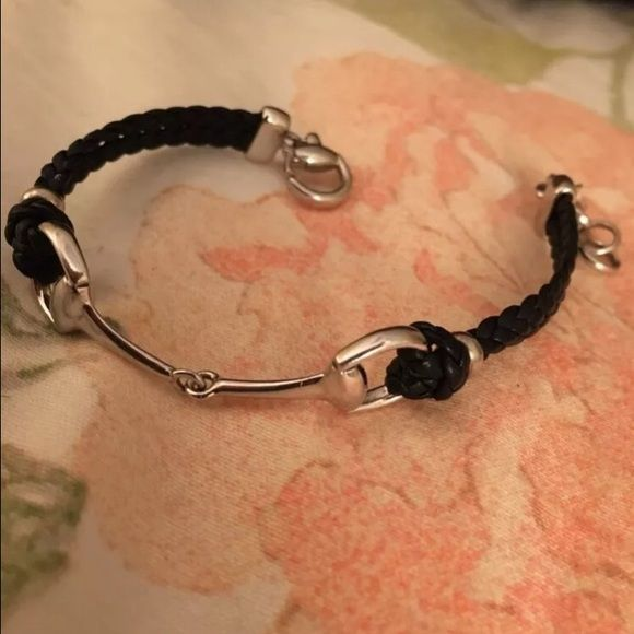 Gucci bracelet It's 100% real retails for $350 in good condition use 3 times Gucci Jewelry Bracelets