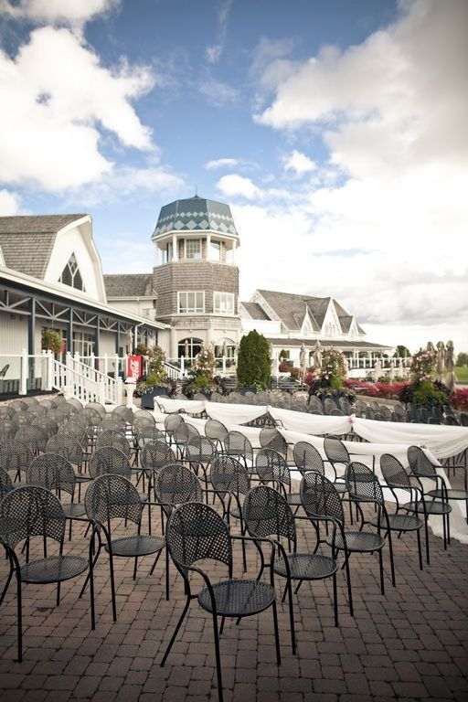Angus Glen Golf Club Wedding | Hedy and Eric | Lovely place and perfect weather for an outdoor wedding ceremony :) #torontoweddingphotographer #weddingphotography #weddingceremony ~ http://www.focusproduction.ca/hedy-eric-angus-glen-golf-club-wedding/