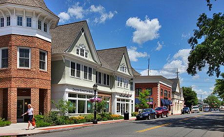 When contemplating a new residence for your family, #Darien and #Westport made the cut.  http://www.movoto.com/guide/ct/best-places-in-connecticut/