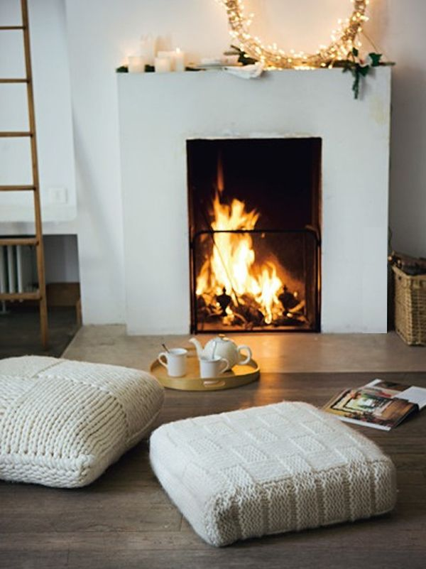cozy winter christmas living room holidays Pinterest Getting cozy, Floor cushions and Knit ...