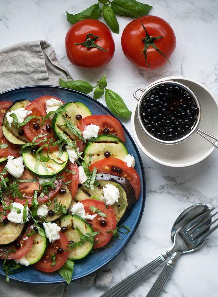 Tomatsalat med grillet aubergine og balsamico