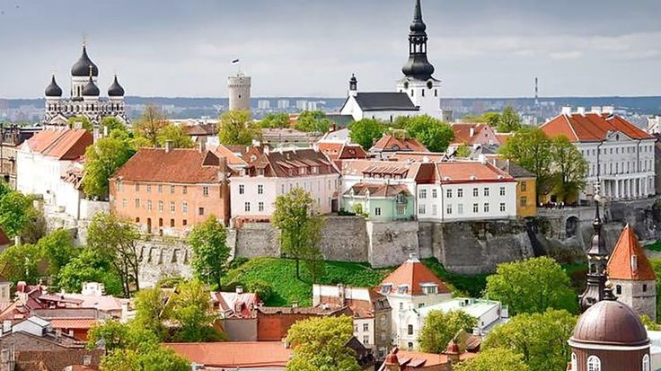 The beautiful and highly underestimated Eastern European city of Vilnius #Vilnius #Europe #city #medieval #citybreak #traveling #kilroy
