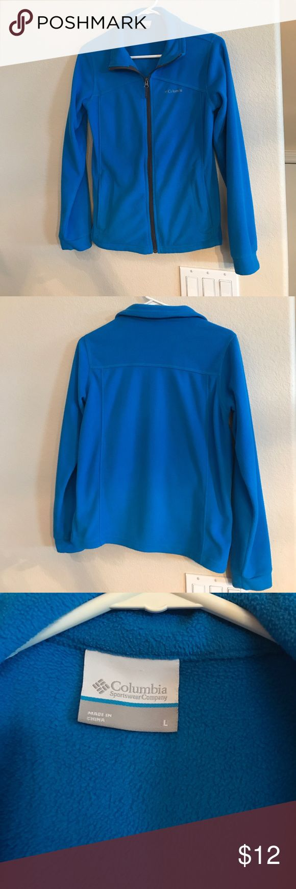 Kids' Columbia Jacket This Columbia jacket is in really great condition with no pilling or any stains or signs of wear. This is a child's size large so would probably fit a women's small. Columbia Jackets & Coats