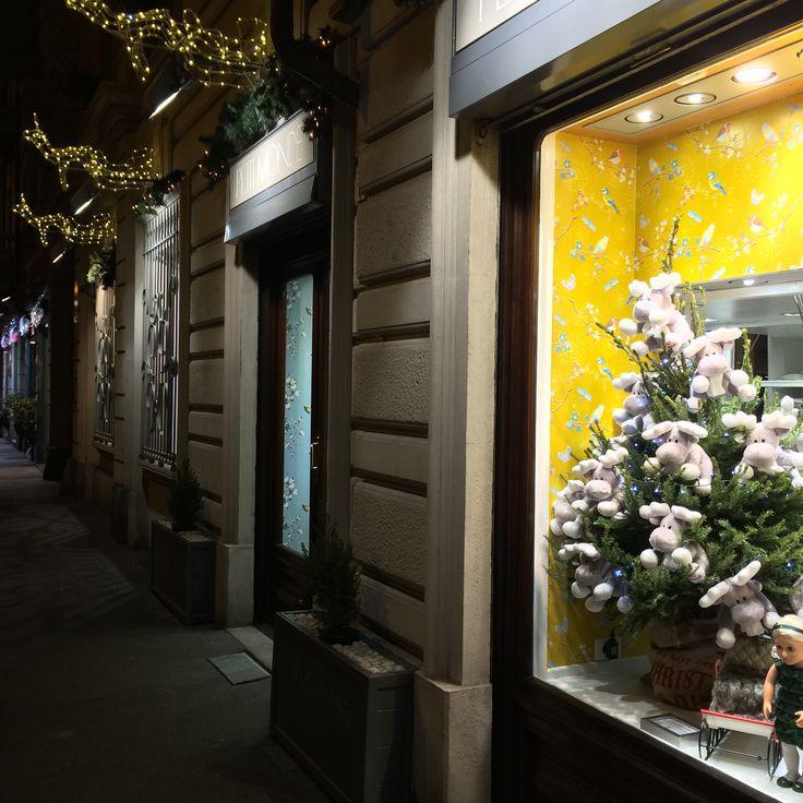 """Christmas windows @petitmondetorino in collaborazione con il """"paradiso dei bambini"""""""