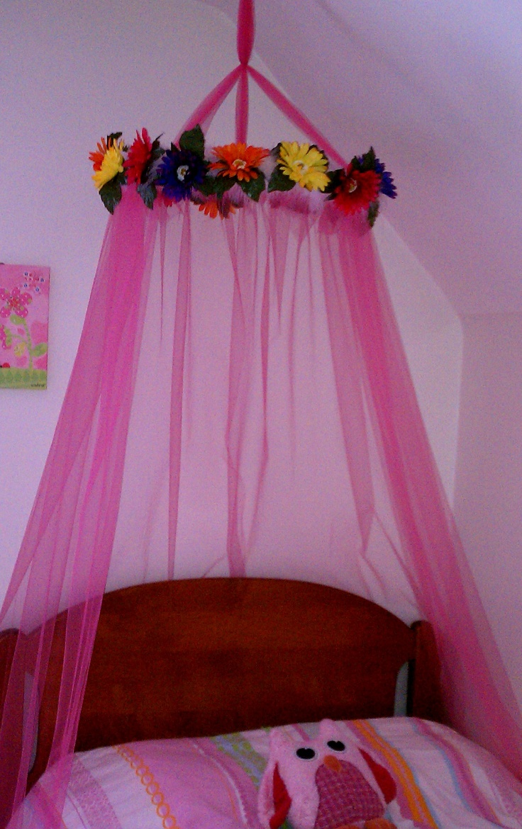 Bed canopy made using tulle embroidery hoop feather boa for Diy crib canopy