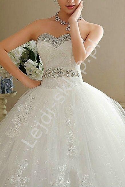 Unikatowa tiulowa suknia ślubna z kryształkami i koronką