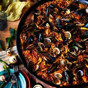 Party paella - Gourmet Traveller