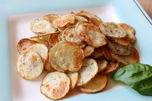 homemade chips with herbs de provence: Potatoes Chips, Recipes Food, Delish Food, Homemade Chips, Baking Chips, Food Yummy, Provence Recipes, Homemade Potatoes, Food Snacks