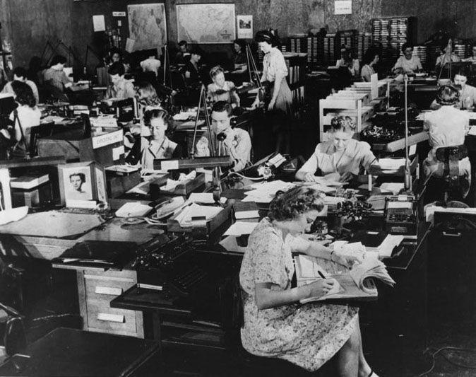 US Army Signals Intelligence Service cryptanalysts at Arlington Hall, Arlington, Virginia, circa 1943 (US Army photo)