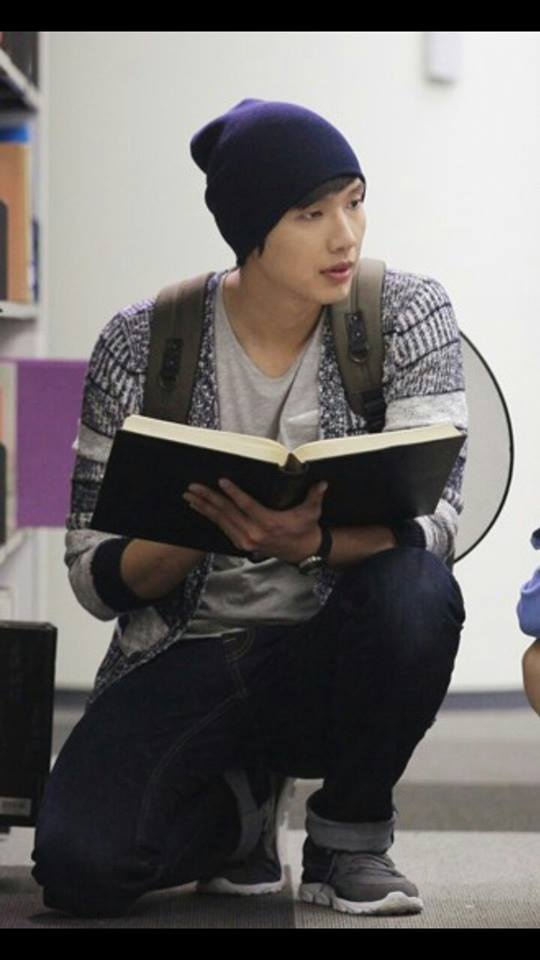 Queen In Hyun's Man - Ji Hyun Woo as Kim Boong Do