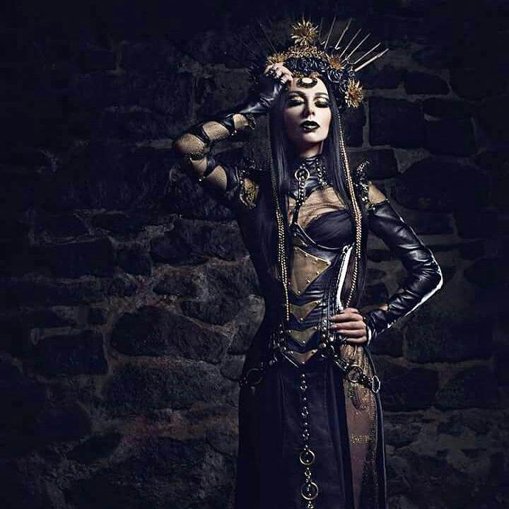 Gotische Mode. Für viele, die gerne Gothic-Mode tragen