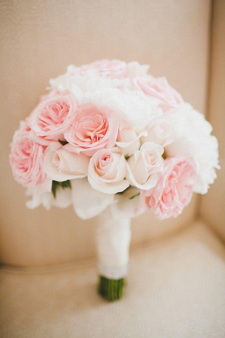 pretty wedding bouquet; photo: Corina V